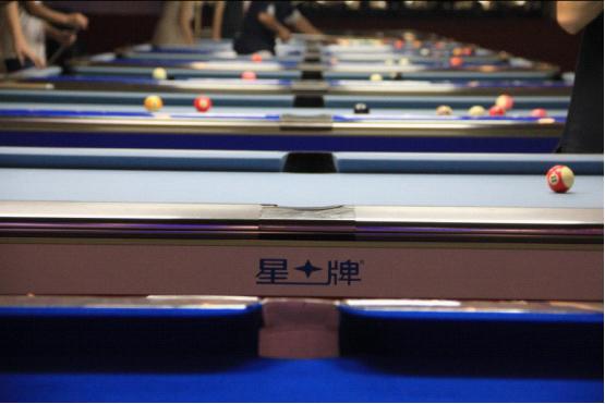 俱乐部配置了中式台球全国排名赛标准比赛用台