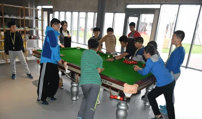 青少年台球培训