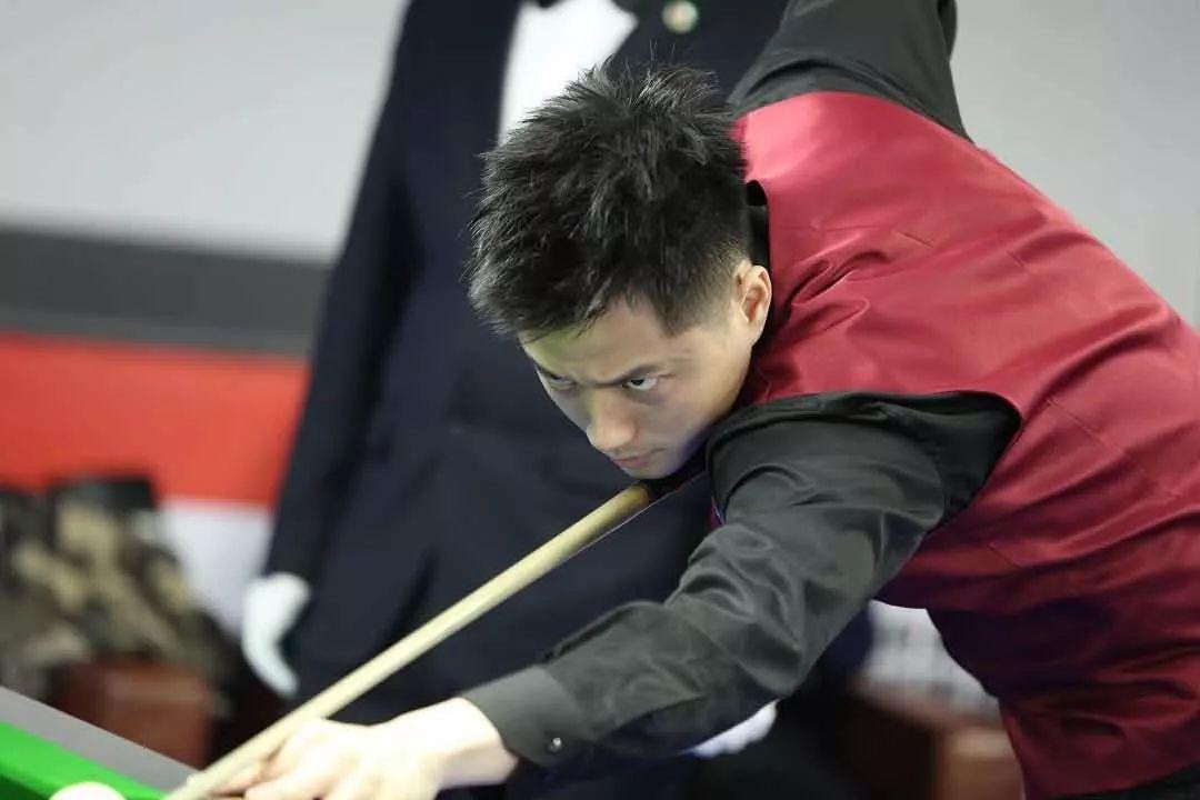 单败对阵:郑宇伯楚秉杰首轮相遇 下半区令人绝望