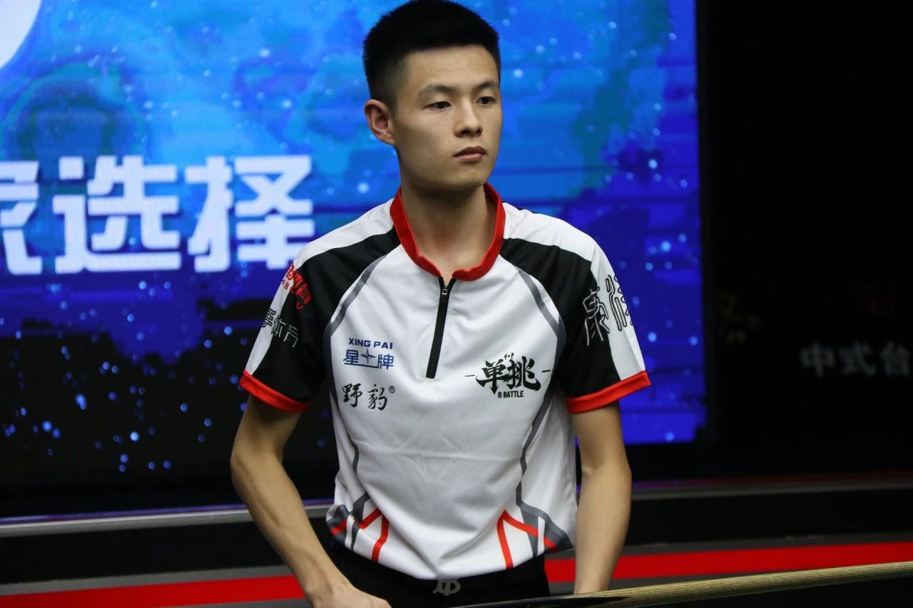 单挑第二季:刘俊岩战胜李赫文丨杰米·琼斯计划完成全马